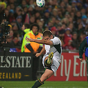 Francois Steyn, South Africa, kicks a penalty during the South Africa V Samoa, Pool D match during the IRB Rugby World Cup tournament. North Harbour Stadium, Auckland, New Zealand, 30th September 2011. Photo Tim Clayton...