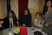 PATTI SMITH, KEVIN SHIELDS AND SAMANTHA MORTON, Photos by Robert Mapplethorpe: Still Moving & Lady, Alison Jacques Gallery, 4 Clifford Street, London, W1, Dinner afterwards at the  The Dorchester with performance by Patti Smith, 7 September 2006.  ONE TIME USE ONLY - DO NOT ARCHIVE  © Copyright Photograph by Dafydd Jones 66 Stockwell Park Rd. London SW9 0DA Tel 020 7733 0108 www.dafjones.com