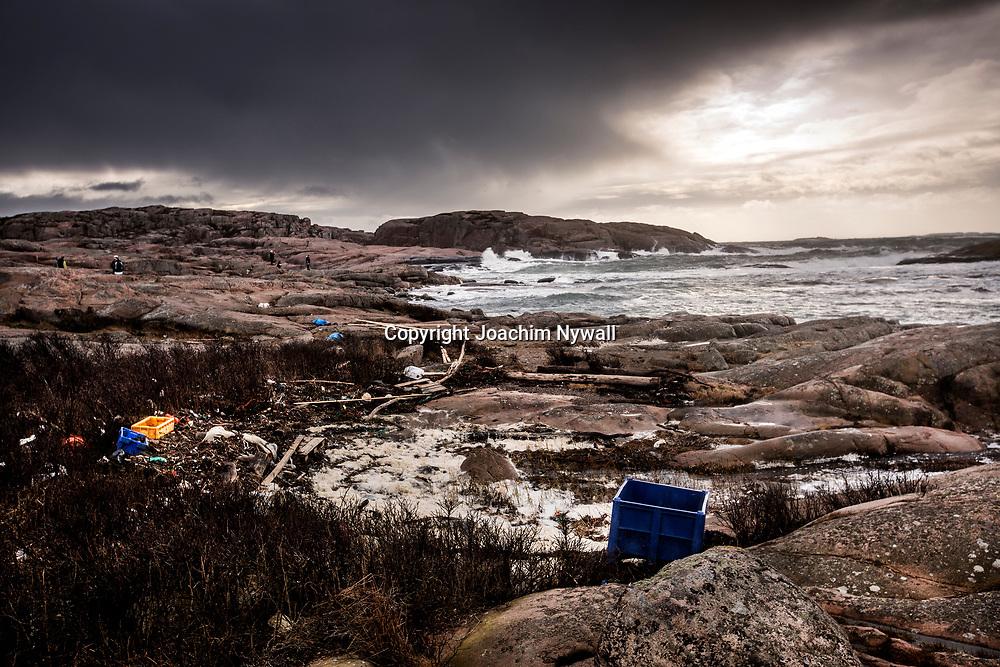 2020 02 23 Grebbestad<br /> Tjurpannan Naturreservat<br /> Storm hav grund grynnor vinter Kattegatt<br /> Västerhavet Västkusten oväder öar fyr<br /> Väckers fyr klippor<br /> ----<br /> FOTO : JOACHIM NYWALL KOD 0708840825_1<br /> COPYRIGHT JOACHIM NYWALL<br /> <br /> ***BETALBILD***<br /> Redovisas till <br /> NYWALL MEDIA AB<br /> Strandgatan 30<br /> 461 31 Trollhättan<br /> Prislista enl BLF , om inget annat avtalas.