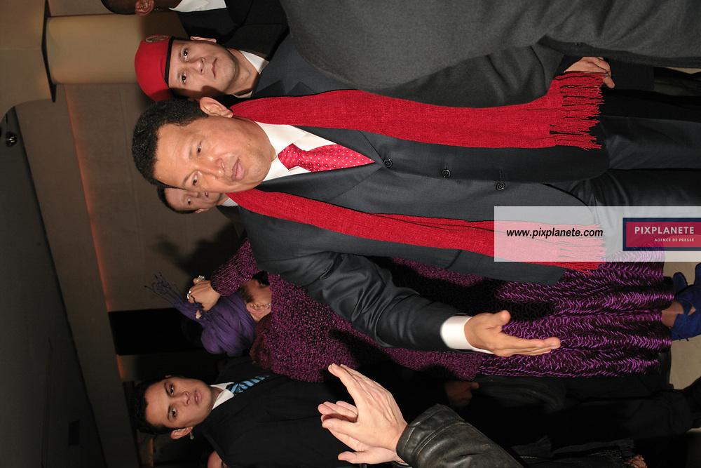 Le président du Vénézuéla Hugo Chavez a donné une conférence de presse en présence de la famille d' Ingrid Bétancourt dans le cadre de la médiation qu'il tente d'établir avec les Farcs - Paris, le 20/11/2007 - JSB / PixPlanete The president of Venezuela have done a press conference in the frame of the mediation that he is actually doing with the Farc concerning the hostage in Colombia - Paris, 20/11/2007 - JSB / PixPlanete