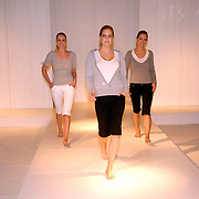 NLD/Amsterdam/20070302 - Presentatie eigen modelijn Wendy van Dijk voor V&D genaamd It's a Wendy collectie 2007