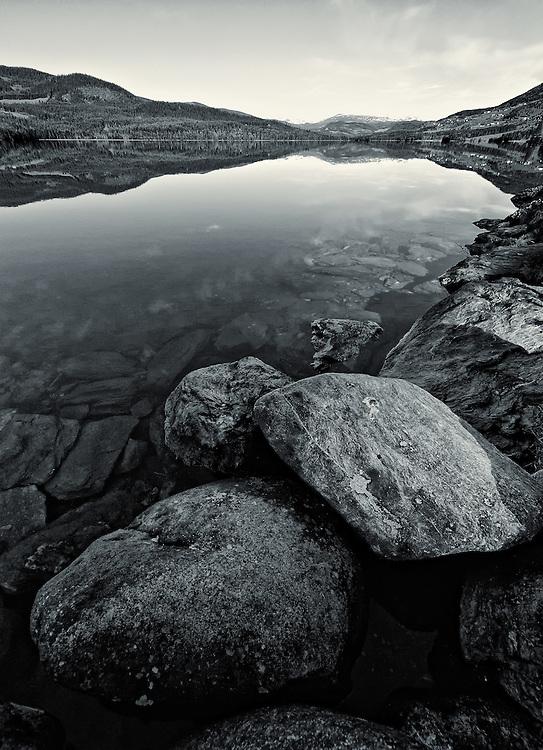 Norway - Heggefjorden lake BW