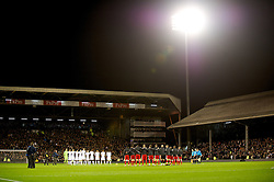 05.12.2011, Craven Cottage Stadion, London, ENG, PL, FC Fulham vs FC Liverpool, 14. Spieltag, im Bild Fulham and Liverpool players stand to remember Wales manager Gary Speed, who died last week, before the football match of English premier league, 14th round, between FC Fulham and FC Liverpool at Craven Cottage Stadium, London, United Kingdom on 05/12/2011. EXPA Pictures © 2011, PhotoCredit: EXPA/ Sportida/ David Rawcliff..***** ATTENTION - OUT OF ENG, GBR, UK *****