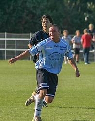 FODBOLD: Sebastian Hviid (Helsingør) under kampen i Kvalifikationsrækken, pulje 1, mellem Nivå-Kokkedal FK og Elite 3000 Helsingør og den 23. september 2006 på Karsemosegård. Idrætsanlæg i Nivå Foto: Claus Birch