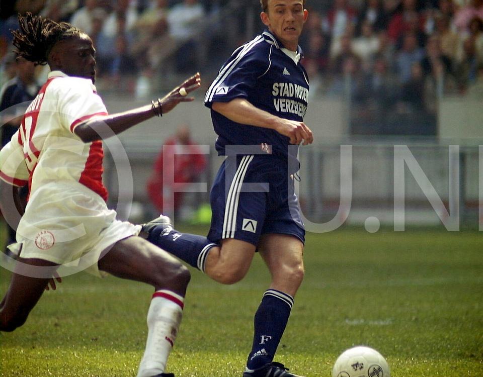 fotografie frank uijlenbroek@1999/frank uijlenbroek.990502 amsterdam ned sport.ajax feijenoord.melchiot op weg naar doelman dudek