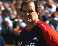 Fotball<br /> VM-kvalifisering<br /> Uruguay v Chile<br /> 18.11.2007<br /> Foto: PikoPress/Argengress/Digitalsport<br /> NORWAY ONLY<br /> <br /> Chile head coach MARCELO BIELSA during their 2010 World Cup qualifying soccer match URUGUAY (2)  Vs. CHILE (2) in Montevideo, Uruguay, November 18, 2007.