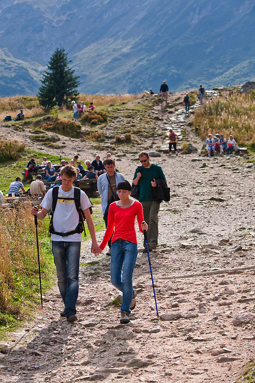 Turyści na Hali Kondratowej