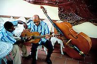 Cuba, Trinidad de Cuba, Patrimoine mondial de l'UNESCO, Musiciens traditionnels // Cuba, Sancti Spiritus province, Trinidad (UNESO world heritage), Musician