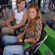 Wrapparty Onderweg naar Morgen Six Flags, cast in Goliath, Fabienne de Vries