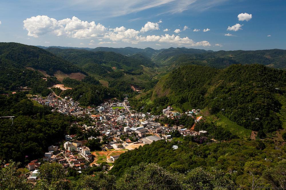 Domingos Martins_ES, 03 de Marco de 2009...Vista panoramica da cidade de Domingos Martins...The panoramic view of Domingos Martins...Foto: LEO DRUMOND / NITRO