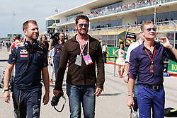 Formel 1: Grosser Preis der USA in Austin, Renntag / 231016<br /> <br /> ***Gerard Butler (GBR) Actor on the grid.<br /> 23.10.2016. Formula 1 World Championship, Rd 18, United States Grand Prix, Austin, Texas, USA, Race Day.<br /> ***