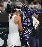Lawn Tennis - 2021 All England Championships - Week Two - Monday - Wimbledon<br /> Emma Raducanu v Ajia Tomijanovic<br /> <br /> Emma Raducanu of GBR leaves the court for medical treatment in the 2nd set, after struggling to breath, which resulted in her having to retire from the match<br /> <br /> Credit : COLORSPORT/Andrew Cowie