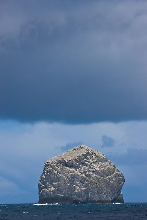 Isla Stac Lee y colonia de alcatraz. Archipielago St. Kilda. Outer Hebrides. Scotland, UK