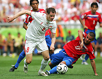 v.l. Jacek Krzynowek, Gabriel Badilla Costa Rica<br /> Fussball WM 2006 Costa Rica - Polen<br /> Norway only