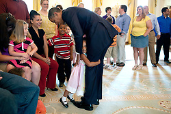 US President Obama spent some time with children at the White House in Washington, DC, USA on July 5, 2011. Photo by White House Pool/ABACAPRESS.COM  | 287146_002 Washington Etats-Unis United States