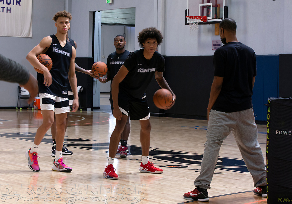 G League Ignite's Dyson Daniels, left, and MarJon Beauchamp practice with the team on Tuesday, Sept. 28, 2021 in Walnut Creek, Calif.