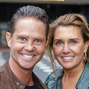 NLD/Amsterdam/20190228 - Opening Holland Zingt Hazes 2019 Backstage Cafe, Danny de Munk en partner Jenny Sluyter