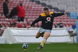 Jimmy Gopperth of Wasps practises kicking in the warm up period - Mandatory by-line: Nick Browning/JMP - 28/11/2020 - RUGBY - Kingsholm - Gloucester, England - Gloucester Rugby v Wasps - Gallagher Premiership Rugby