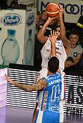 DESCRIZIONE : Cantu' Lega A 2015-16 Acqua Vitasnella Cantu' - Dinamo Banco di Sardegna Sassari<br /> GIOCATORE : LaQuinton Ross<br /> CATEGORIA : tiro three points<br /> SQUADRA : Acqua Vitasnella Cantu'<br /> EVENTO : Campionato Lega A 2015-2016 GARA : Acqua Vitasnella Cantu' - Dinamo Banco di Sardegna Sassari <br /> DATA : 12/10/2015 <br /> SPORT : Pallacanestro <br /> AUTORE : Agenzia Ciamillo-Castoria/R.Morgano<br /> Galleria : Lega Basket A 2015-2016 Fotonotizia : Cantu' Lega A 2015-16 Acqua Vitasnella Cantu' - Dinamo Banco di Sardegna Sassari