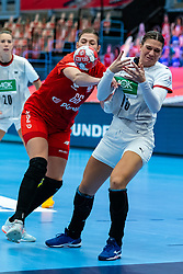 Magda Balsam of Poland, Julia Behnke of Germany during the Women's EHF Euro 2020 match between Germany and Poland at Sydbank Arena on december 07, 2020 in Kolding, Denmark (Photo by RHF Agency/Ronald Hoogendoorn)