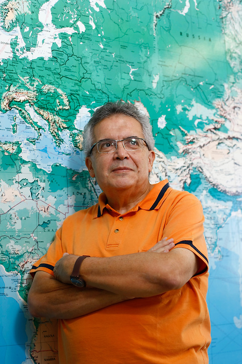Belo Horizonte_MG, Brasil.<br /> <br /> Francisco Eduardo de Campos, medico com doutorado em Saude Publica pela Ensp/Fiocruz, professor-adjunto do Departamento de Medicina Preventiva e Social da UFMG, ex-assessor da Opas/OMS em Washington (EUA).<br /> <br /> Francisco Eduardo Campos, a doctor with a doctorate in Public Health by the National School / Fiocruz, associate teacher of the Department of Social and Preventive Medicine at UFMG, former advisor to the Opas/OMS  in Washington (USA).<br /> <br /> FotoHugo Cordeiro  / NITRO