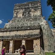 North America, Latin America, Latin, Caribbean, tropical, Mexico, Yucatan, Chichen Itza, Xchen Itza, Maya, Mayan, UNESCO World Heritage Site, <br /> Ancient Mayan temples of Chichen Itza, Mexico.