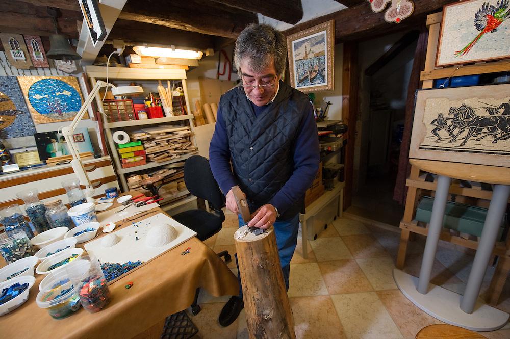 Venezia  Mino a Maestro mosaicist in his workshop in Cannaregio, Venice...***Agreed Fee's Apply To All Image Use***.Marco Secchi /Xianpix.tel +44 (0)207 1939846.tel +39 02 400 47313. e-mail sales@xianpix.com.www.marcosecchi.com
