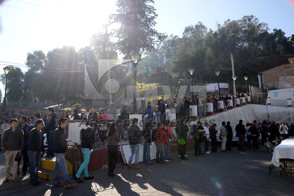 Metepec, México.- Más de mil vacantes fueron ofrecidas por 81 empresas del Valle de Toluca en la Sexta Feria de Empleo del municipio de Metepec. Agencia MVT / Crisanta Espinosa