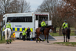 © Licensed to London News Pictures. 01/04/2020. London, UK. Mounted police patrol Richmond Park in South West London to keep a firm check on social distancing rules as the Coronavirus crisis continues. Photo credit: Alex Lentati/LNP