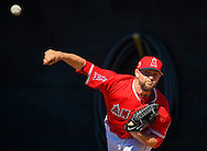 Pitcher Bud Norris throws during workouts at the Angels' 2017 Spring Training camp in Tempe, AZ on Tuesday, February 21, 2017. (Photo by Kevin Sullivan, Orange County Register/SCNG)