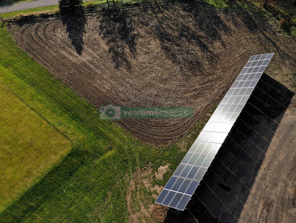 October 31, 2018 - Maplewood, MN, USA - Ramsey County will unveil the government's first solar panel park at Ponds at Battle Creek Golf Course in Maplewood. The county has installed 64 panels along the course, the first step to having all of its parks buildings and facilities powered entirely by renewable energy by 2025. ]..BRIAN PETERSON Â¥ brian.peterson@startribune.com..Maplewood,  MN  10/28/2018. (Credit Image: © Brian Peterson/Minneapolis Star Tribune via ZUMA Wire)