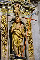 France, Finistère (29), l'enclos paroissial de Lampaul-Guimiliau, l'église Notre-Dame, le retable de Saint-Jean-Baptiste datant du XVIIe siècle // France, Finistere (29), the parish enclosure of Lampaul-Guimiliau, the Notre-Dame church