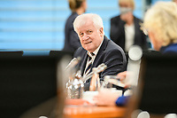 07 OCT 2020, BERLIN/GERMANY:<br /> Horst Seehofer, CSU, Bundesinnenminister, vor Beginn der Kabinettsitzung, Internationaler Konferenzsaal, Bundeskanzleramt<br /> IMAGE: 20201007-01-012<br /> KEYWORDS: Sitzung, Kabinett