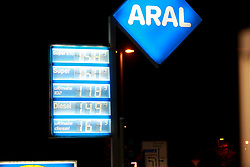 November 21, 2018 - Cologne, Germany - Aral fuel station price sign is seen in Cologne, Germany. .Diesel fuel prices are rising nearly as high as super fuel prices. Gasoline prices remain high in Germany after reaching record levels recently. (Credit Image: © Osama Faisal/SOPA Images via ZUMA Wire)