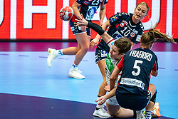 (L-R) Stine Bredal Oftedahl of Norway, Alina Grijseels of Germany, Marit Malm Frafjord of Norwayin action during the Women's EHF Euro 2020 match between Germany and Norway at Sydbank Arena on december 05, 2020 in Kolding, Denmark (Photo by RHF Agency/Ronald Hoogendoorn)
