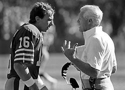 Joe Montana and Bill Walsh, 1986