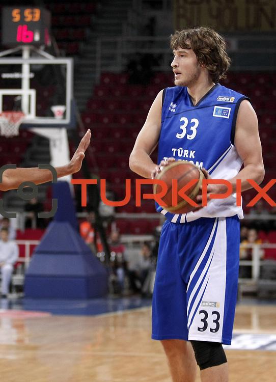 Turk Telekom's Simas Jasaitis during their BEKO Basketball League match Galatasaray between Turk Telekom at the Abdi Ipekci Arena in Istanbul at Turkey on Sunday, December 25 2011. Photo by TURKPIX