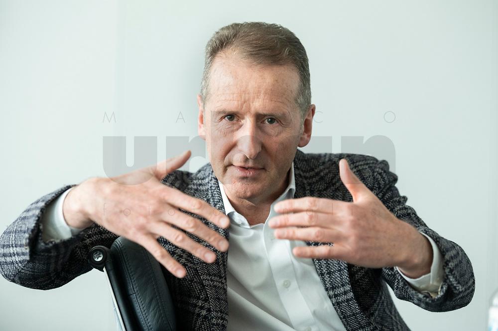 30 MAR 2020, WOLFSBURG/GERMANY:<br /> Herbert Diess, Vorstandsvorsitzender Volkswagen AG, nach einem Interview, VW Konzernzentrale<br /> IMAGE: 20200330-01-059