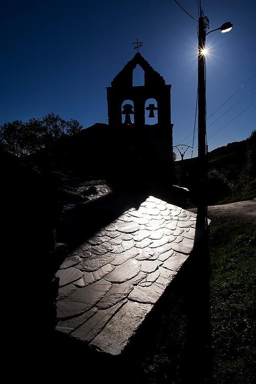 Chapel along the Camino de Santiago between O Cebreiro and Triacastela, Galicia, Spain.