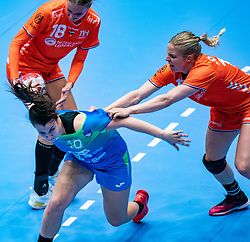 Kelly Dulfer of Netherlands, Tjasa Stanko of Slovenia, Danick Snelder of Netherlands in action during the Women's friendly match between Netherlands and Slovenia at De Maaspoort on march 19, 2021 in Den Bosch, Netherlands (Photo by RHF Agency/Ronald Hoogendoorn)