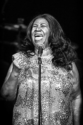 August 11, 2015 - Oakland, California, U.S.: American singer, otherwise known as 'The Queen of Soul', ARETHA FRANKLIN, 73, clinches her fist as she sings, as only she can at a performance at the Oakland Coliseum. (Credit Image: © Jerome Brunet/ZUMA Wire)