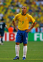 Photo: Glyn Thomas.<br />Brazil v Australia. Group F, FIFA World Cup 2006. 18/06/2006.<br /> Brazil's Ronaldo.