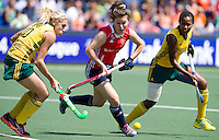 THE HAGUE - South Africa (RSA) vs England. Laura Unsworth (m) with Shelley Russell (l) and Sulette Damons. COPYRIGHT KOEN SUYK