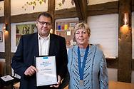Per Dennis Kristensen får praktikprisen. SMV Aalborg legatuddeling i Håndværkerhuset. Foto: © Michael Bo Rasmussen / Baghuset. Dato: 10.09.20