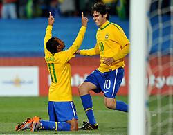 28.06.2010, Ellis Park Stadium, Johannesburg, RSA, FIFA WM 2010, Brazil (BRA) vs Chile. (CHI), im Bild L'esultanza di Robinho (Brasile) per il gol del 3-0 con Kaka.Robinho 's celebration with Kaka for his 3-0 leading goal scored for Brazil. EXPA Pictures © 2010, PhotoCredit: EXPA/ InsideFoto/ Giorgio Perottino +++ for Austria and Slovenia only +++ / SPORTIDA PHOTO AGENCY