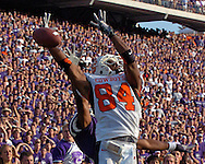Oklahoma State wide receiver D'Juan Woods (84) can't come up with the catch in the end zone in the final seconds of the game against Kansas State at Bill Snyder Family Stadium in Manhattan, Kansas, October 7, 2006.  The Wildcats beat the Cowboys 31-27.<br />