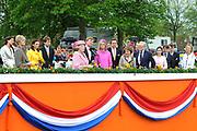 Koninginnedag 2008 / Queensday 2008. <br /> <br /> Koningin Beatrix viert Koninginnedag dit jaar in Friesland. De vorstin en haar familie bezochten op 30 april Makkum en Franeker.<br /> <br /> Queen Beatrix celebrates Queensday this year in Friesland (the Nothren provice in Holland). The Queen and its family visited Makkum and Franeker on 30 April.<br /> <br /> Op de foto/ On the Photo: The Royal Family with Queen Beatrix, Willem Alexander , Maxima , Ed Nijpels , Prinses Margriet <br /> Prof. Mr. Pieter van Vollenhoven