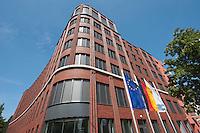 15 AUG 2009, BERLIN/GERMANY:<br /> Gebaeude der Friedrich-Ebert-Stiftung, Hiroshimastrasse 28 / Ecke Reichspietschufer<br /> IMAGE: 20090815-01-011<br /> KEYWORDS: Gebäude, Haus, Buerohaus, Bürohaus