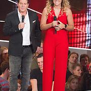 NLD/Hilversum/20151205- Eerste Live uitzending The Voice 2015, Martijn Krabbe en  Melissa Janssen