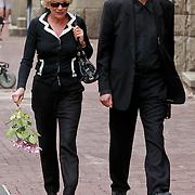 NLD/Amsterdam/20110722 - Afscheidsdienst voor John Kraaijkamp, Martine Bijl en partner Berend Boudewijn